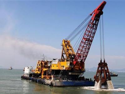 港口移动式高架起重机